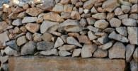 عکس : استفاده از سنگهای تاریخی برای ایستگاه اتوبوس!