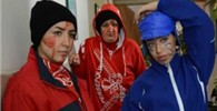 کریخوانی دختران پرسپولیسی و استقلالی !! + عکس