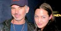 آنجلینا جولی با همسر سابقش در ارتباط است !