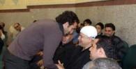 عکس روز:بوسه محمد نوری بر سر مربی محبوب