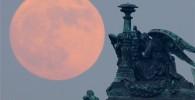 تصاویر دیدنی از ماه در نزدیکترین فاصله با زمین