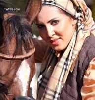 عکس جدید لیلا بلوکات در حال اسب بازی