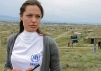 آنجلینا جولی ۱۰۰ هزار دلار به سازمان ملل اهدا کرد