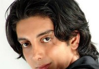 فرزاد فرزین خواننده تیتراژ سریال «راز پنهان»: مگر بد است یک هنرمند درآمد خوبی داشته باشد؟!
