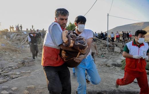 تصاویر بسیار ناراحت کننده از مناطق زلزله زده آذربایجان شرقی