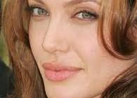 حمايت آنجلينا جولی از موضع مسلمانان در برابر فیلم موهن
