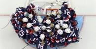 عکسی از هاکی روی یخ تیم زنان آمریکا در المپیک