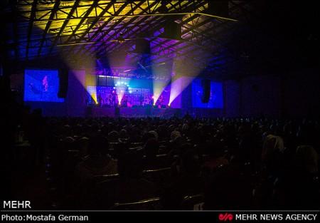 جدیدترین تصاویر کنسرت محسن یگانه در ساری
