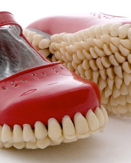 357967 502 تصاویر کفشی از جنس دندان انسان