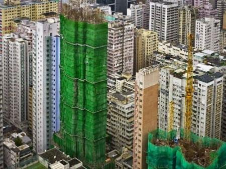 358977 484 pic tafrihi 450x337 تصاویر برج های پیچیده شده در پارچه!