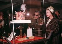 عکس جالب از حضور ملکه الیزابت در ایران