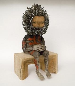 تصاویری جالب از مجسمه های چوبی ریشو!