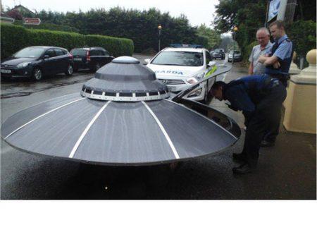 تصاویری از توقیف خودروی بیگانگان فضایی توسط پلیس!