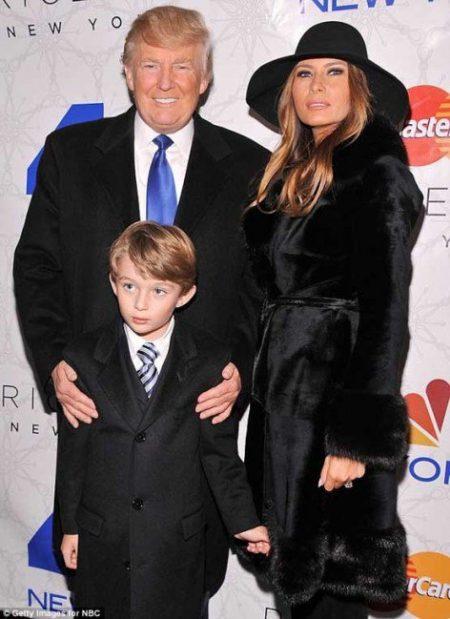 ملانیا ترامپ و همسرش در کنار پسرشان بارون ترامپ